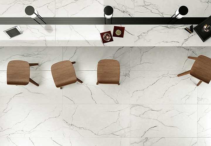 Imperial -sarjan lattialaatat sävyssä Statuario