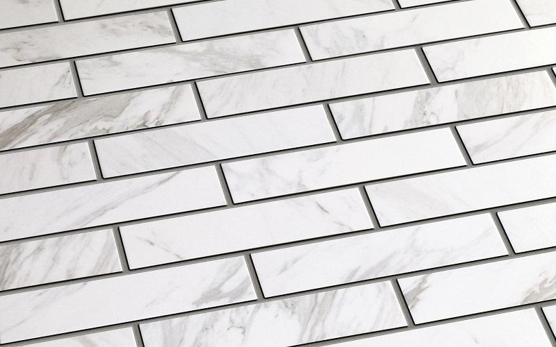 Marble White -sarjan laatat koossa 6x24,5 cm