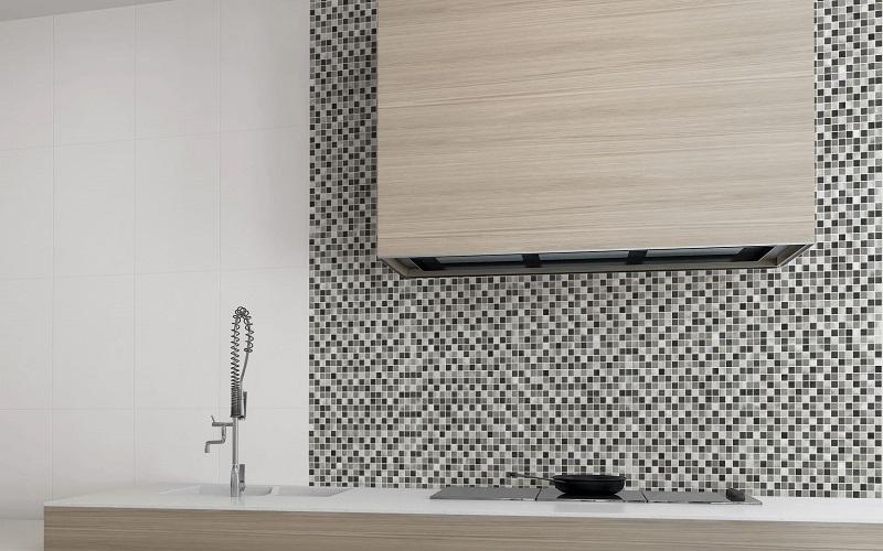 Lapponia Blanco -sarjan perusvalkoiset seinälaatat koossa 25x40 cm
