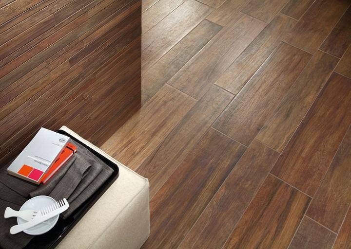 EcoDream -sarjan lattialaatat sävyssä Quercia