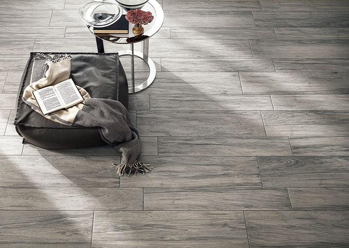 EcoDream -sarjan lattialaatat sävyssä Sandalo